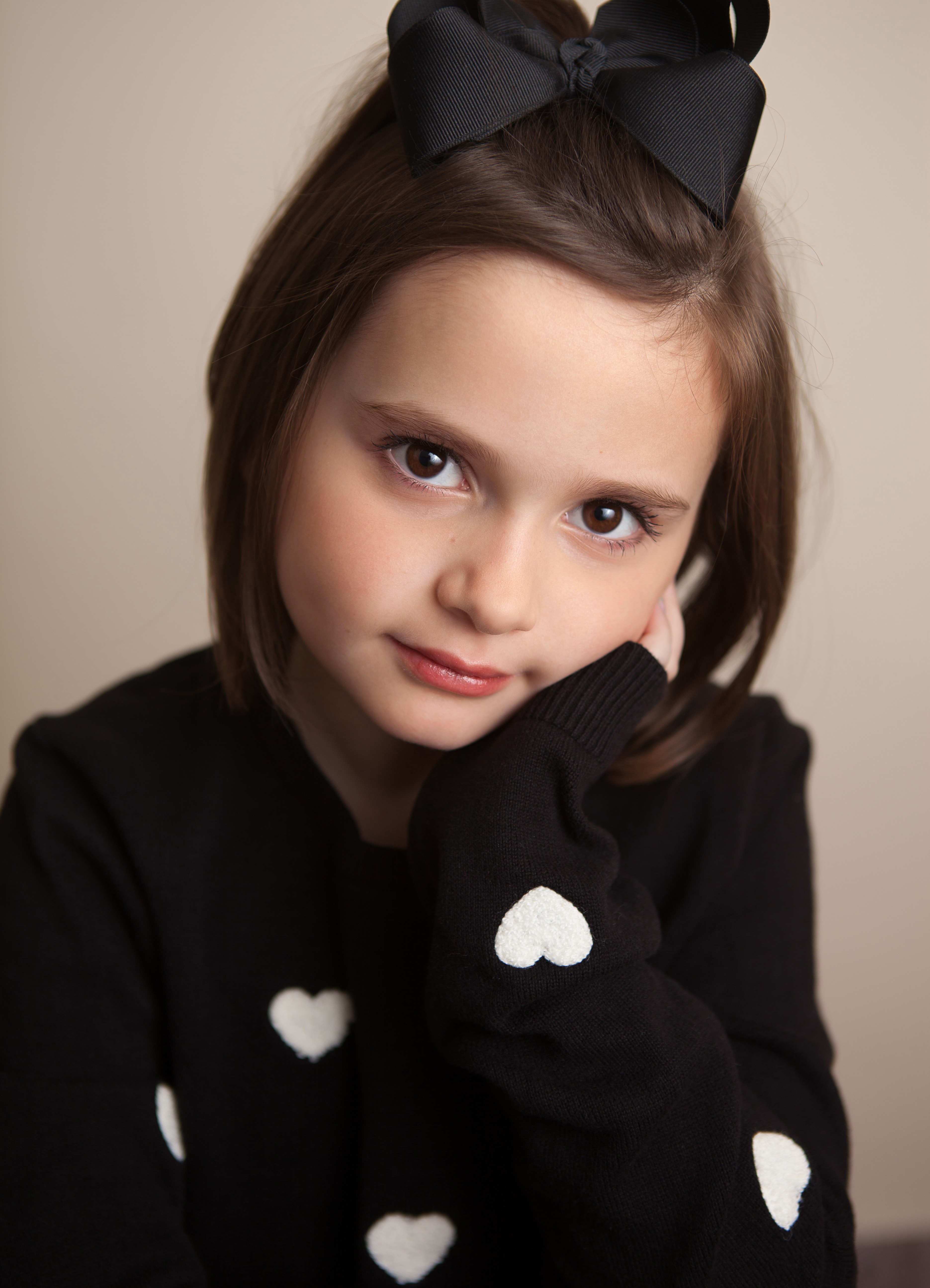 Headshot of Columbus Child Actor, Elizabeth Howlett